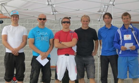 Maaningan tunauksen kolme parasta joukkuetta. Simo Koskinen ja Wille Markkanen (2.), Mikko Veijanen ja Jaakko Korpi (1.) sekä Jouni Lehtonen ja Pasi Seppänen.